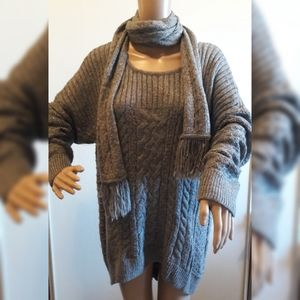 NWT Sonoma XL Gray knit Sweater/Scarf combo